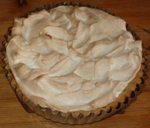 Rhubarb, orange and juniper meringue pie